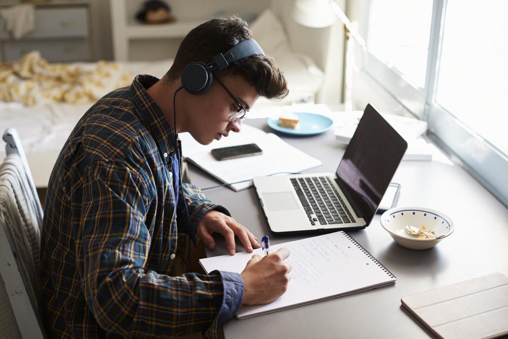 Técnicas efectivas para estudiar desde casa y reducir el estrés