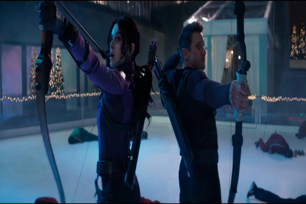 Clint Barton y Kate Bisho en Hawkeye