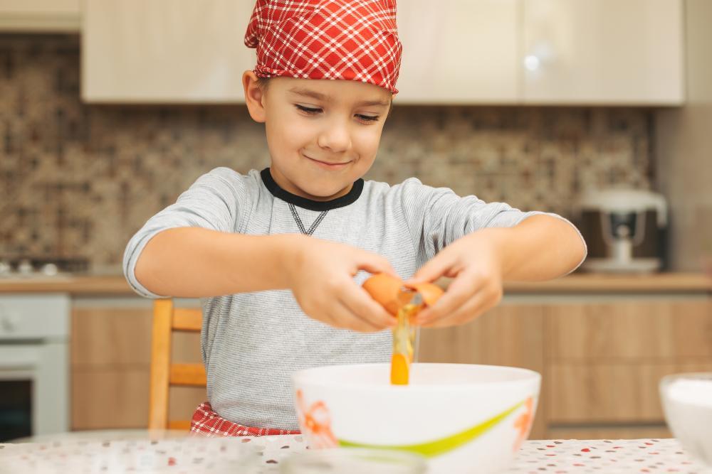 Cocinar en familia: Guía de prevención para que los niños ayuden en la cocina