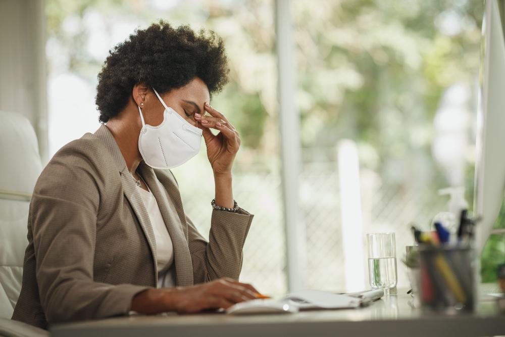 ¿Cómo evitar la sobrecarga de información para enfrentar el estrés y la ansiedad durante una pandemia?