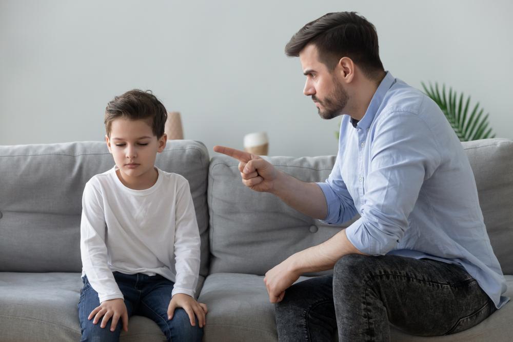 ¿Cómo poner límites a tus hijos sin dañarlos?