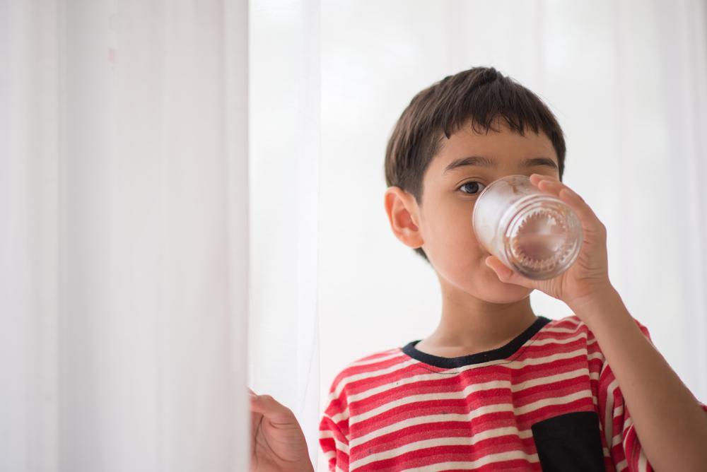 Cómo prevenir un golpe de calor en bebés y niños