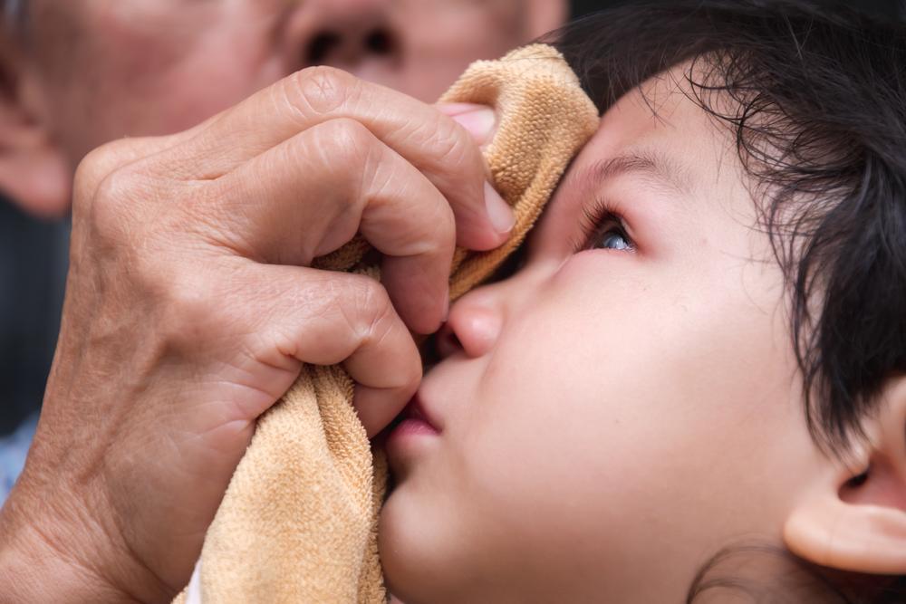Golpes en la cabeza: 6 trucos para curar chichones en los niños