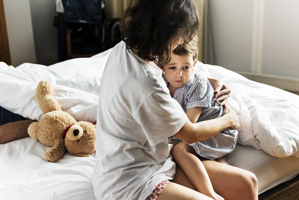 No puedes evitar que tu pequeño tenga miedos, pero puedes hacer que él sienta tu paciencia y apoyo incondicional.