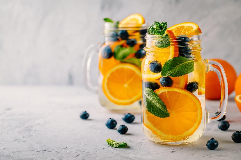 jugo de naranja, arándanos y jengibre