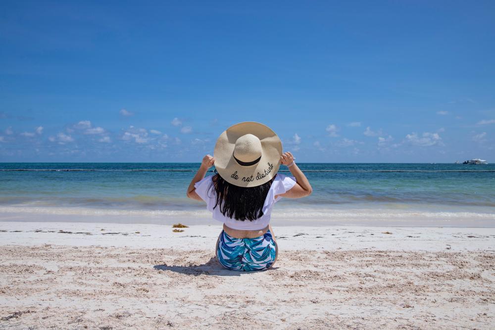 cuidado de los ojos en verano - usar sombreros