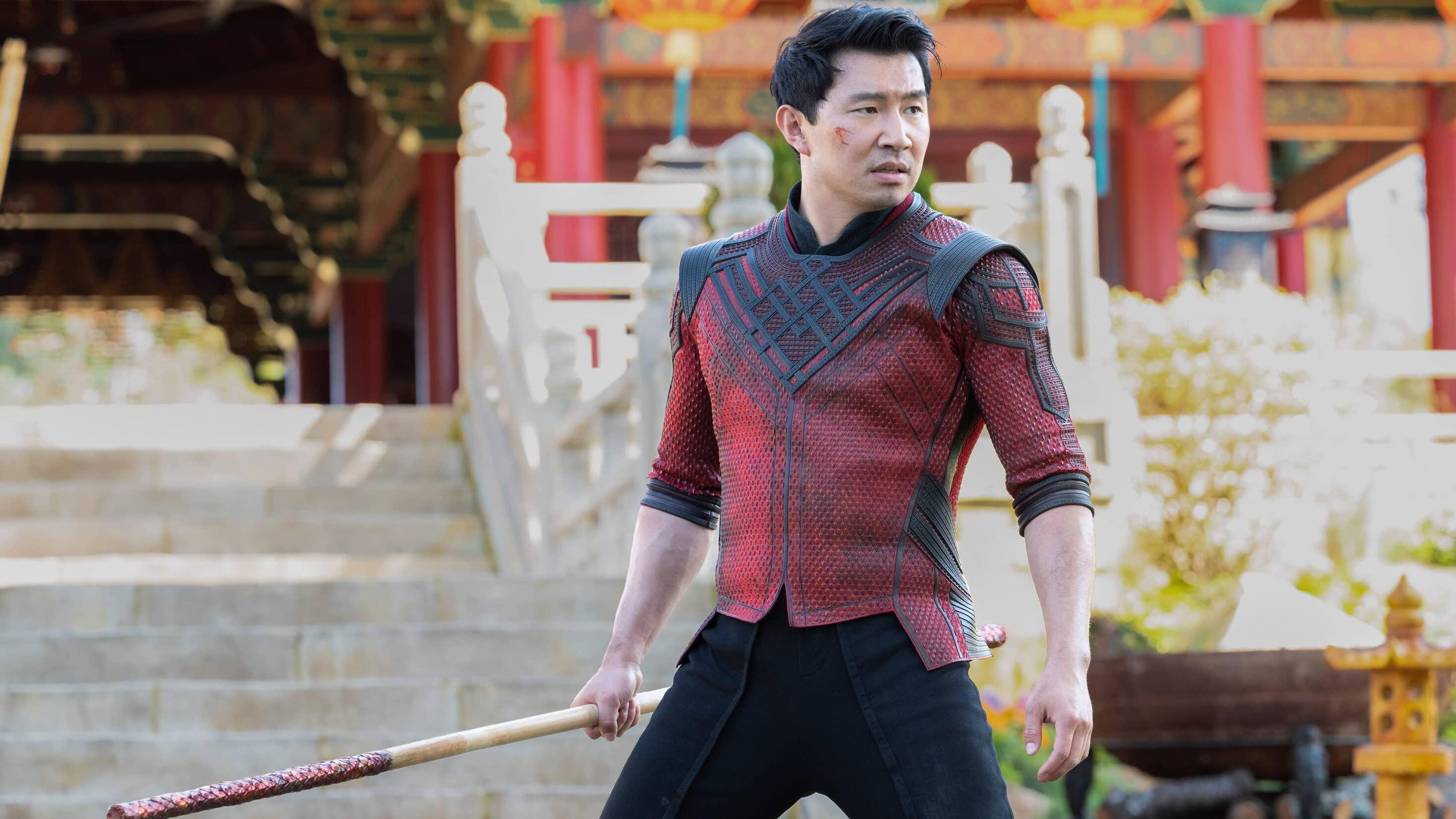 Simu Liu actor de Shang-Chi y la leyenda de los 10 anillos