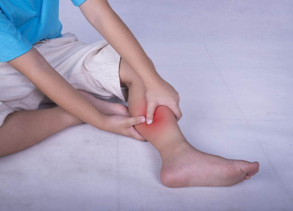 ¿Por qué le duelen las piernas a los niños? Descubre si son dolores de crecimiento