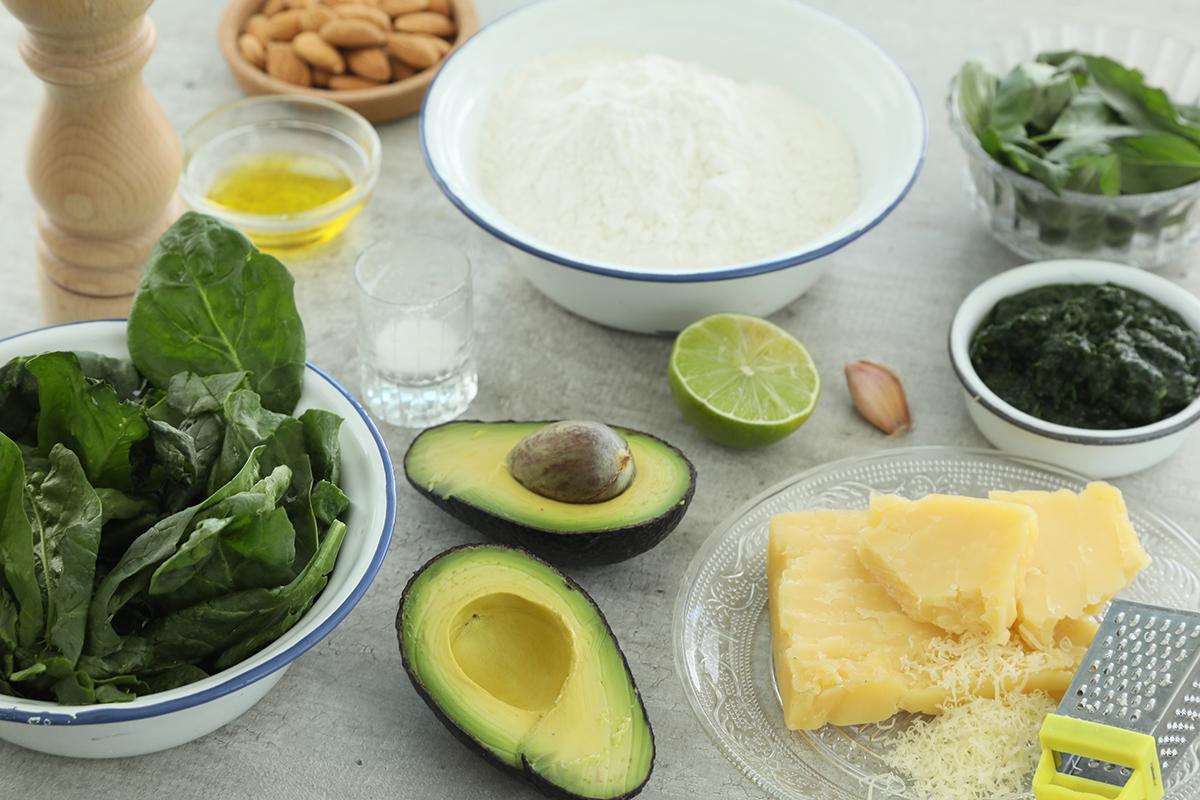 cómo preparar tallarines verdes con palta