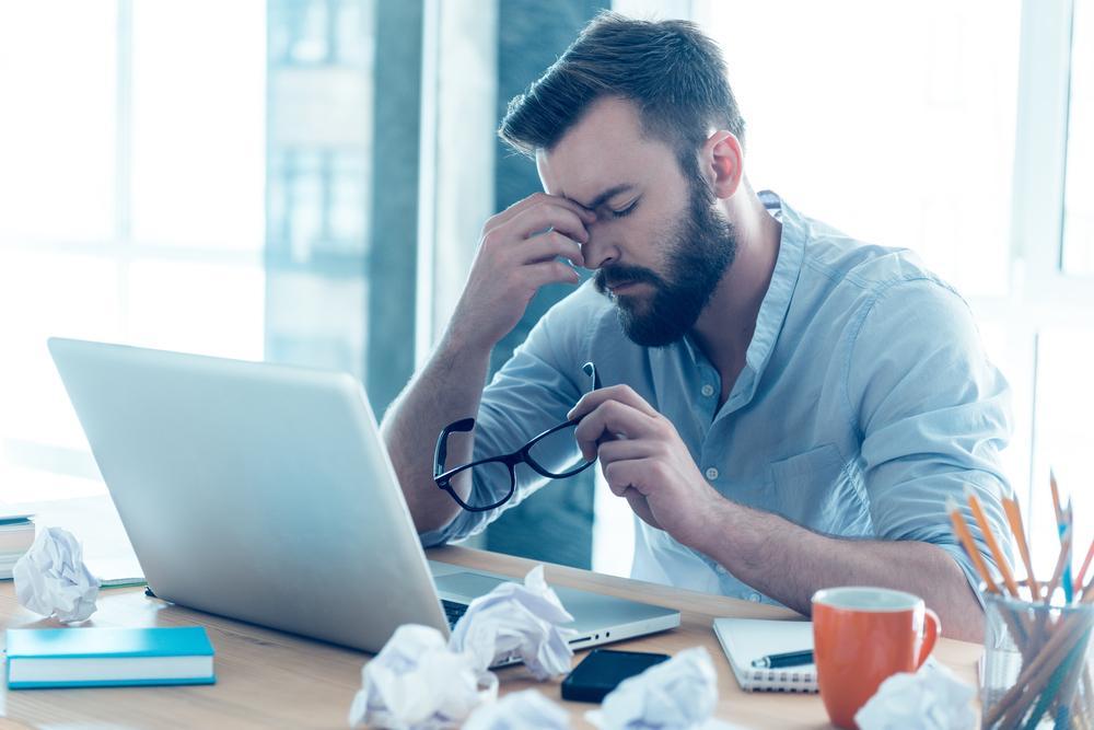Cómo evitar el cansancio visual y el síndrome del ojo seco durante el teletrabajo