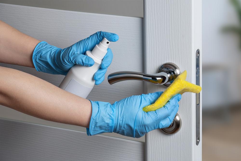 Cómo usar la lejía para desinfectar el hogar y en qué cantidades