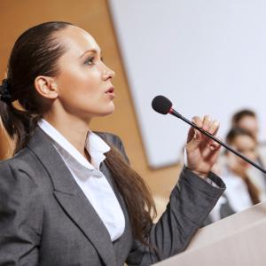 10 tips para dar un buen discurso claro y sin nerviosismo