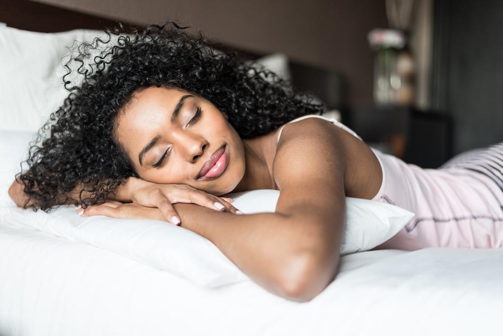 ¿Duermes muy poco por el trabajo? Aprovecha tus fines de semana para compensarlo