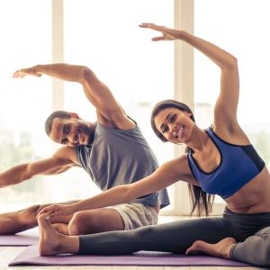 Desde la comodidad de tu casa: 5 ejercicios para ponerte en forma en solo media hora