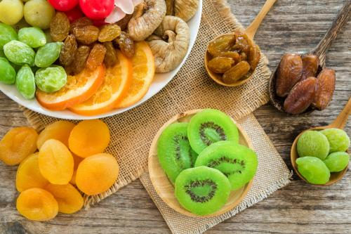 Beneficios y recetas para hacer frutas deshidratadas en 4 pasos