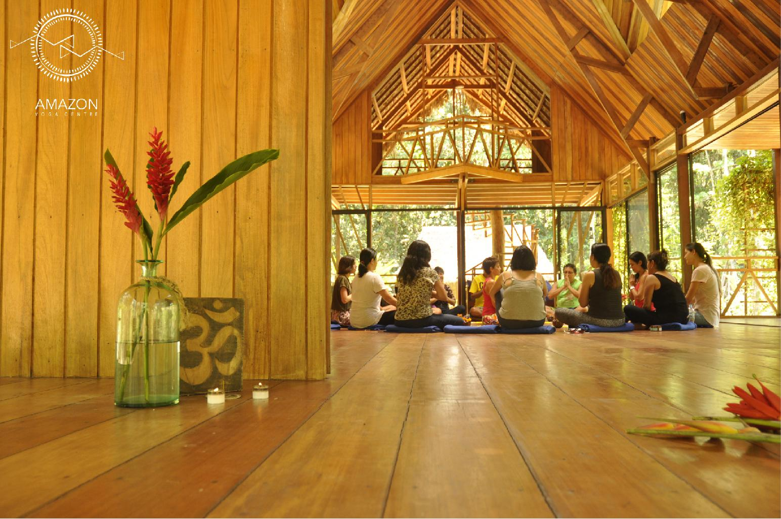 Participa y gana: ¡Estadía doble en Amazon Yoga Centre!