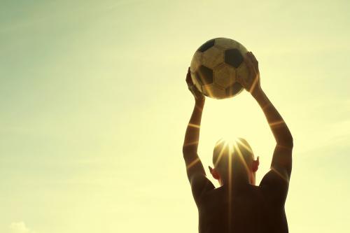 5 saludables razones para jugar partido, fulbito, pichanga o simplemente fútbol