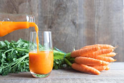 ¿Qué pasa en tu cuerpo cuando comienzas a beber jugo de zanahoria?