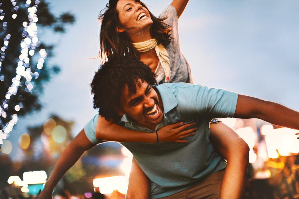 10 hábitos que practican las parejas felices