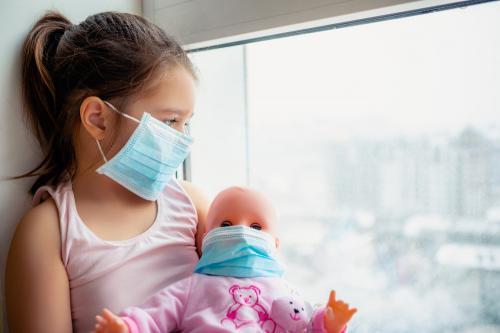 Cómo salir a pasear con niños evitando el contagio por COVID-19