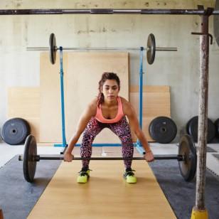 Tranquila: las pesas no te pondrán super musculosa (a menos que quieras)