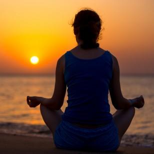 Seis simples poses de yoga que todos pueden hacer