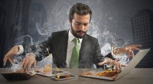 8 malos hábitos que están incrementando tu estrés