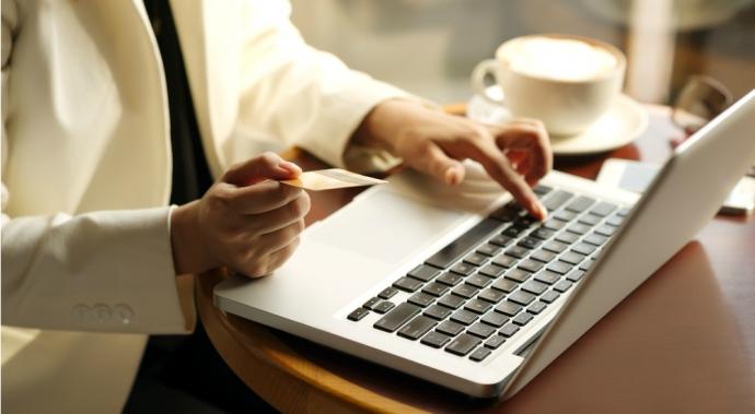 No seas víctima de tus emociones al comprar online