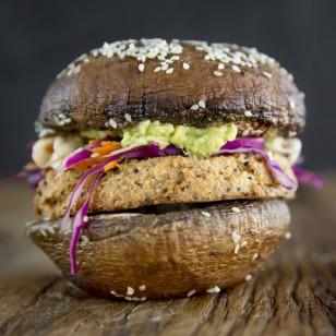 Hamburguesa de hongos con pan de Coliflor: prepárala