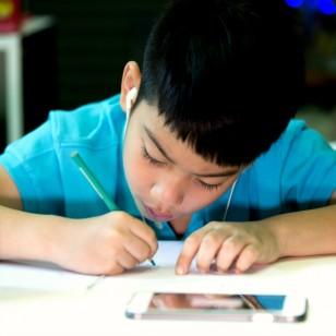 Mito o realidad: ¿los celulares causan cáncer en los niños?