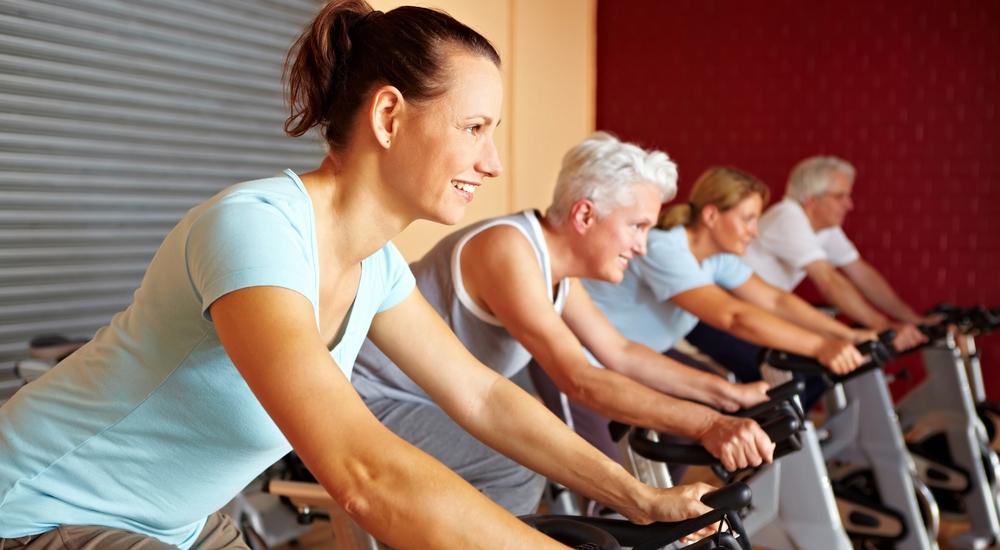 Caminar o montar bicicleta son un gran ejercicio para tu cerebro también