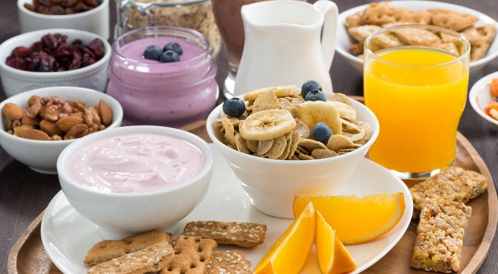 Cinco desayunos saludables para los que viven apurados