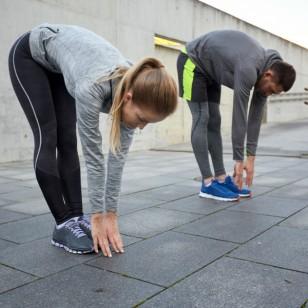 ¿Estirarnos antes de ejercitar ayuda a prevenir lesiones?