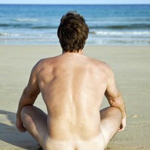 Menos es más: los efectos positivos del nudismo