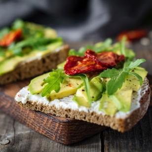 9 ideas saludables para tus tostadas