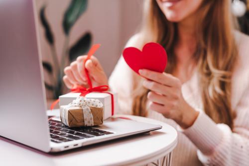 Planes y regalos para un bonito san valentin sin salir de casa